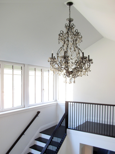 10_dwyer_stair_chandelier_icon@2x